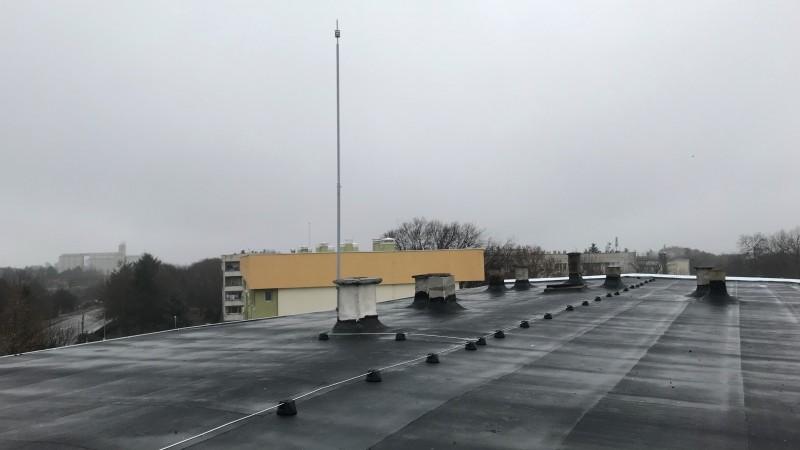 Мълниезащита Добрич: Мълниезащита с активен мълниеприемник INGESCO PDC AIR на многофамилна жилищна сграда