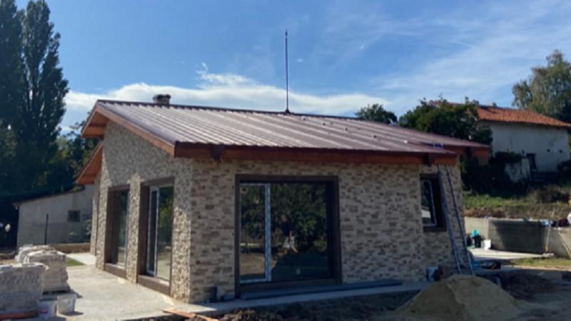 Мълниезащита във Варна- Монтаж на активна мълниезащита на метален покрив с мълниеприемник с изпреваращо действие INGESCO PDC AIR 20